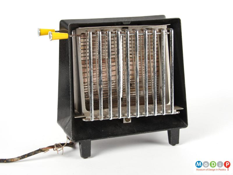Side view of a GEC toaster showing the heating element and bread cage.