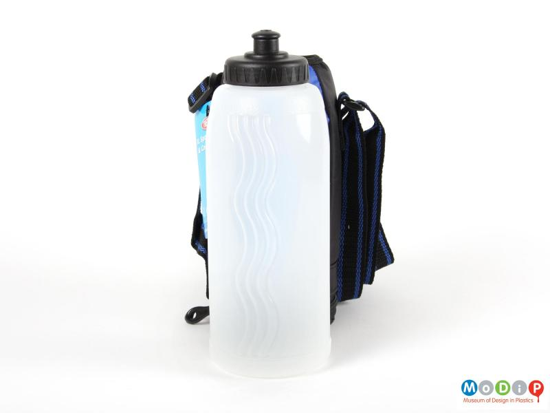 Side view of a Thermos insulated bottle showing the bottle in front of the bag.