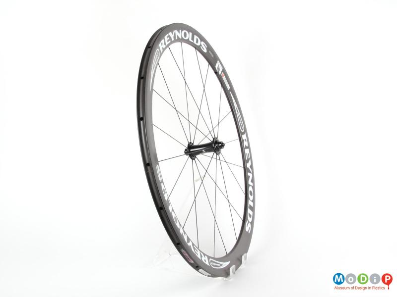 Side view of a bike wheel showing the width of the wheel.