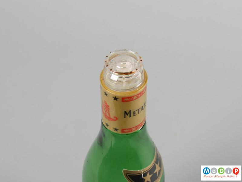 Top view of a bottle showing the pouring device.
