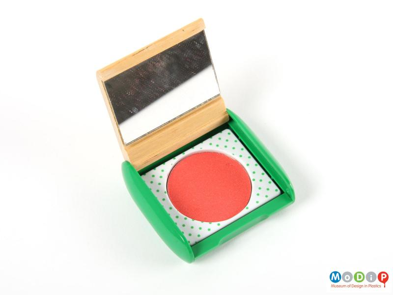 Top view of make-up packaging showing the blusher pan.