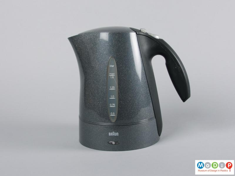 Side view of a kettle showing the integral handle.