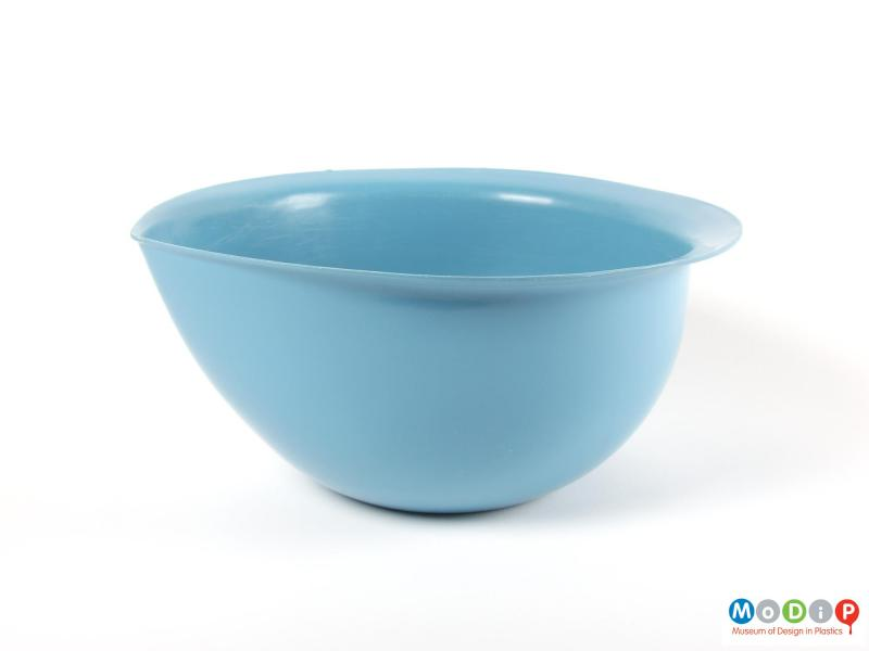 Side view of a mixing bowl showing the teardrop shape.