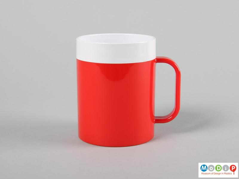 Side view of a mug showing the straight sides.