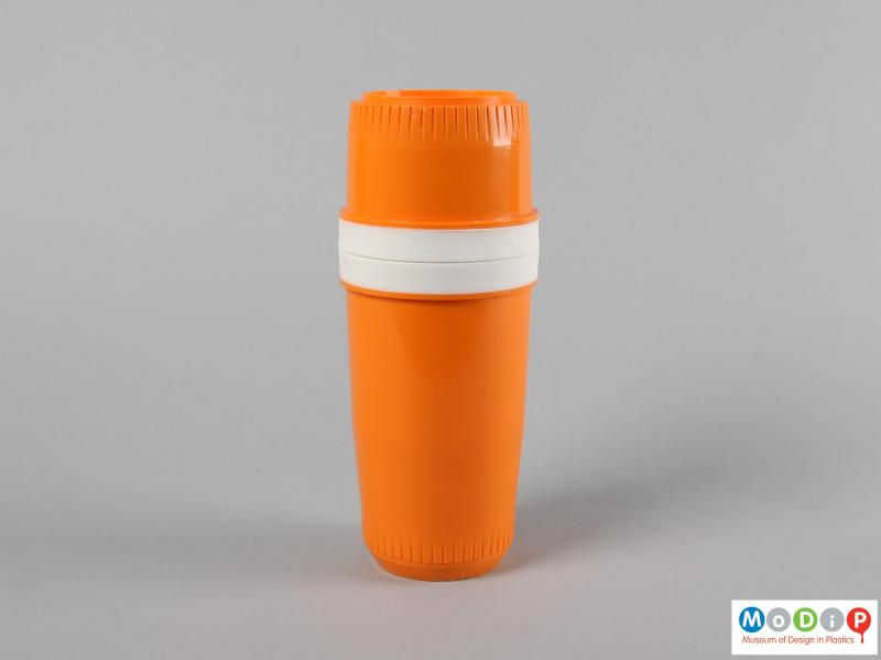 Side view of an insulated bottle holder showing the moulded ribbed edges.