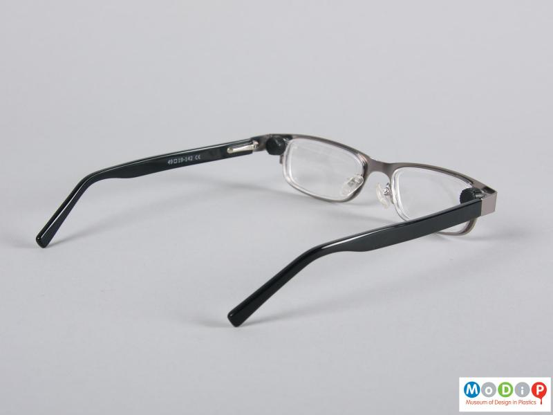 Side view of a pair of glasses showing the arms.