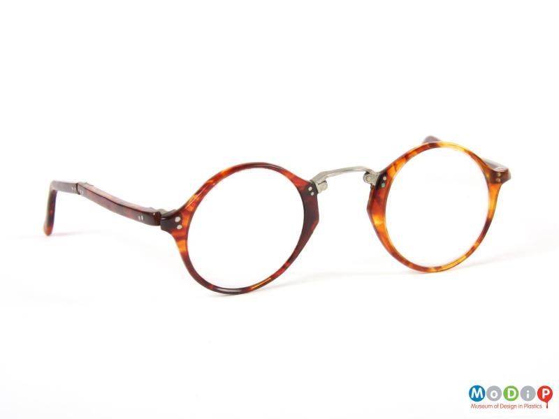 Front view of a pair of folding glasses showing the round shape of the frames.