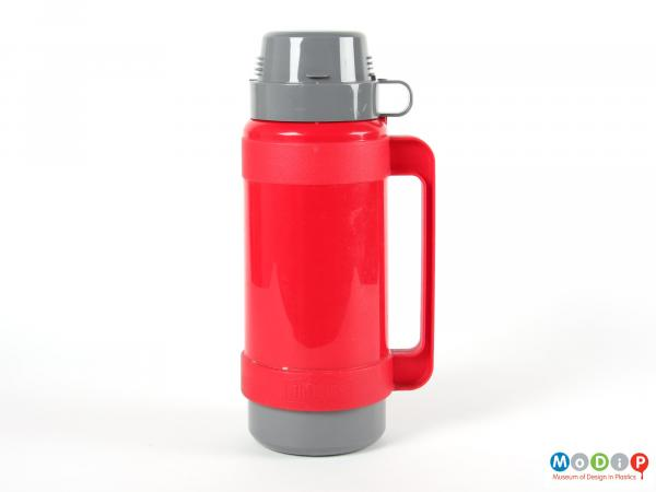 Side view of a Thermos flask showing the integral handles of the body and the cup.