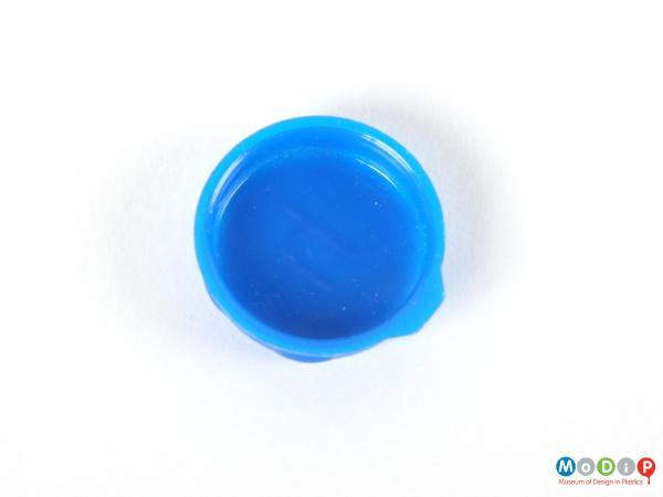 Top view of a Smarties lid showing the plain surface.