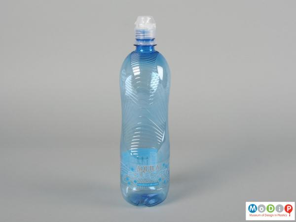 Side view of a Aquila Aquagym bottle showing the ergonomic shape and grippy texture.