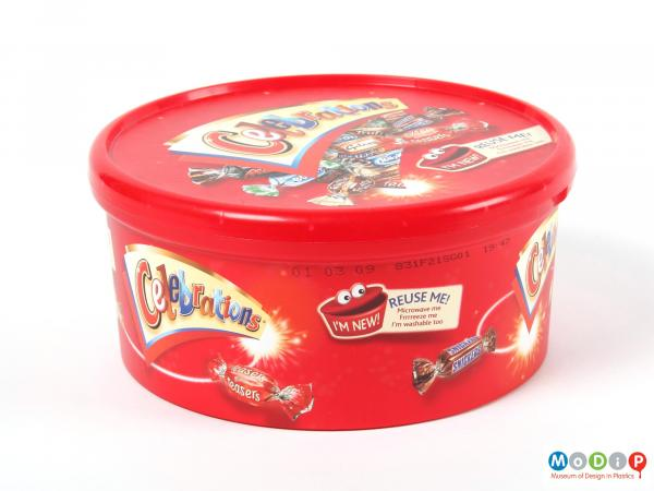 Side view of a Mars Celebrations tub showing the straight sides of the tub and the lid securely in place.