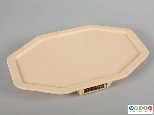 Top view of a tray showing the elongated octagon shape.