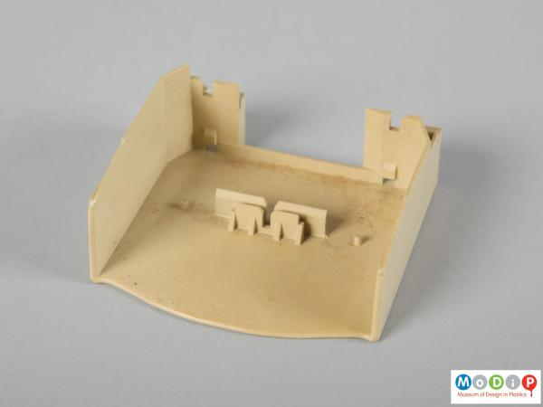 Top view of a moulding example showing the front end.