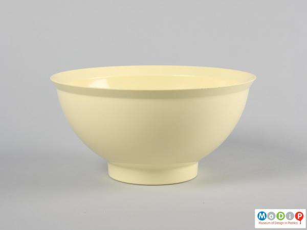 Side view of a bowl showing the integral foot.