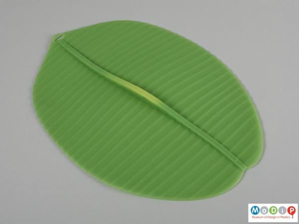 Top view of a cover showing the leaf shape.