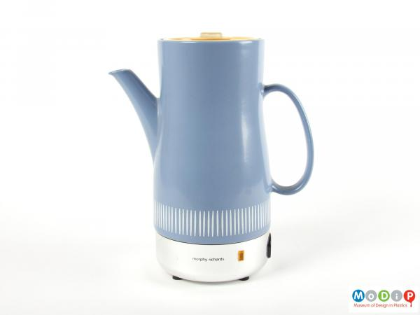 Side view of a coffee pot showing the white line pattern.