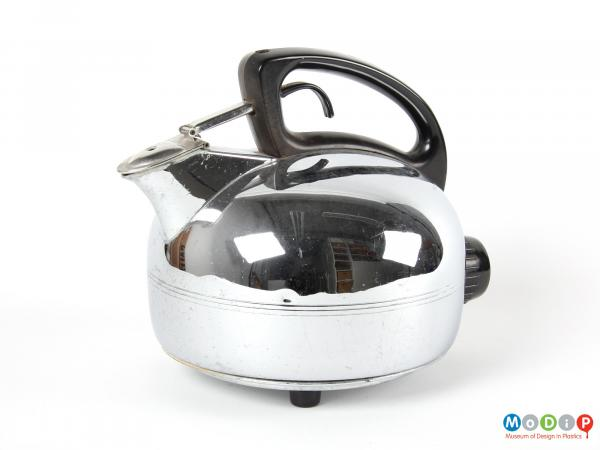 Side view of a Swan kettle showing the streamlined shape of the handle.