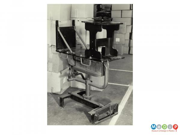 Scanned image showing a finishing jig.