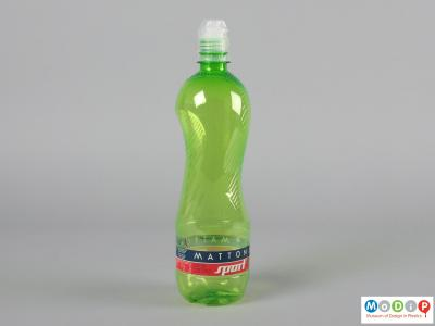 Side view of a Mattoni Sport bottle showing the ergonomic shape and grippy texture.