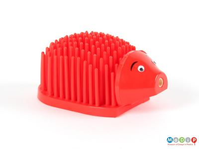 Side view of a desk tidy showing the hedgehog shape.