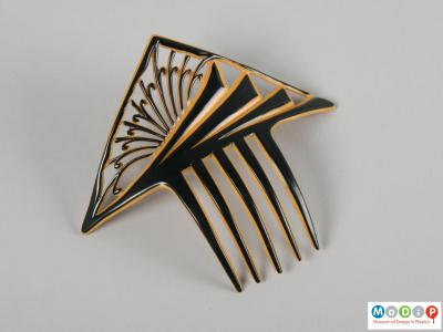 Top view of a comb showing the two colours.