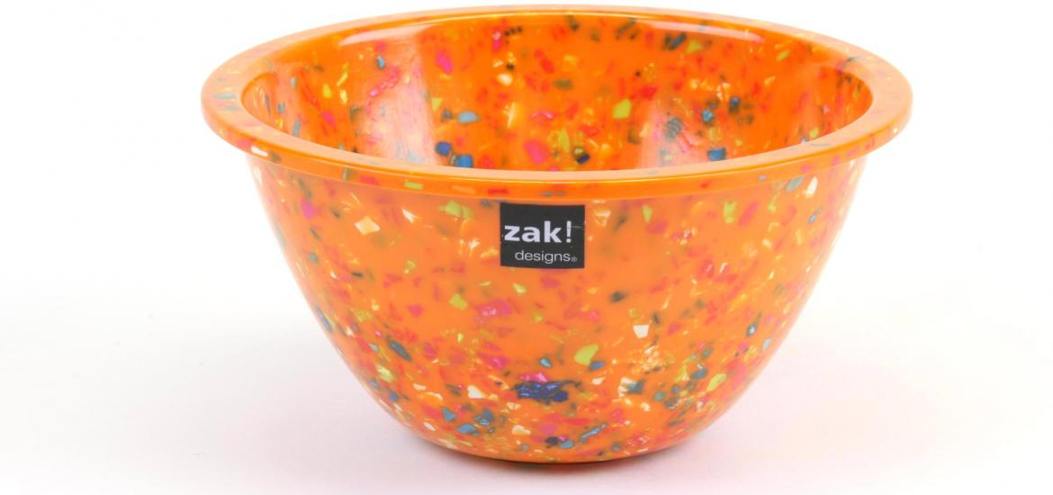 Side view of a bowl showing the coloured chips.